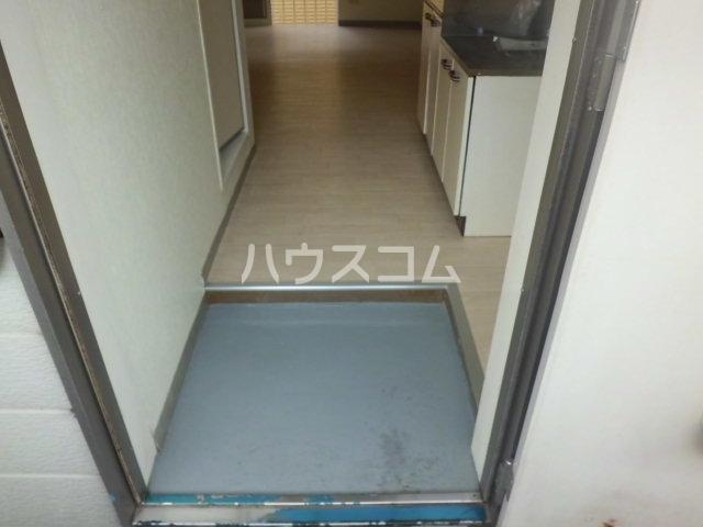 ハイツMⅢ 202号室の玄関