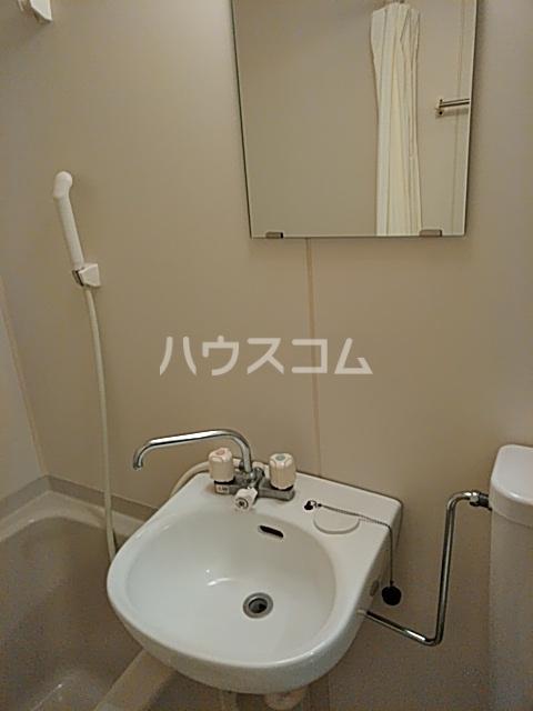 シナーラ衣笠 102号室の洗面所