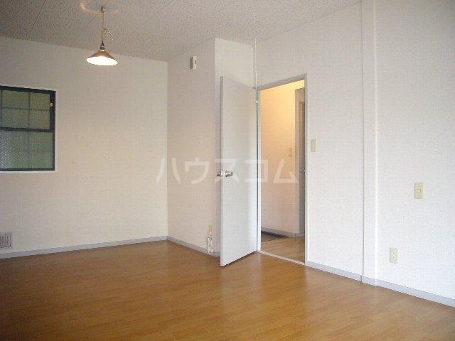 ハイツスズキ 102号室の居室