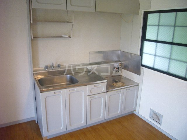 ハイツスズキ 102号室のキッチン