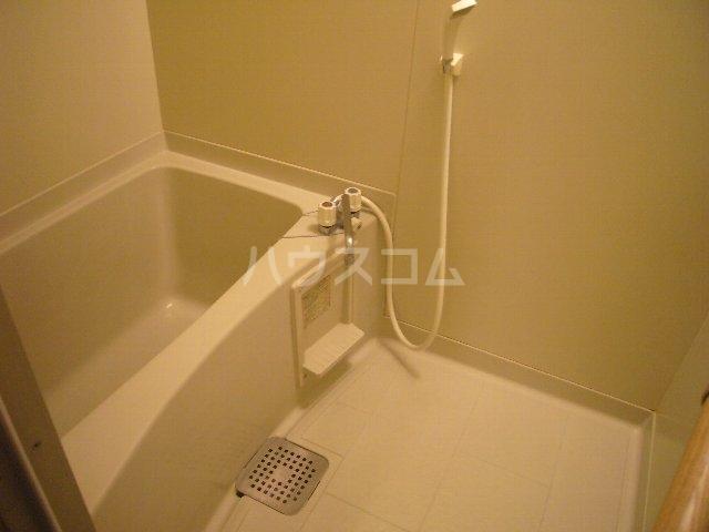ハイツスズキ 102号室の風呂
