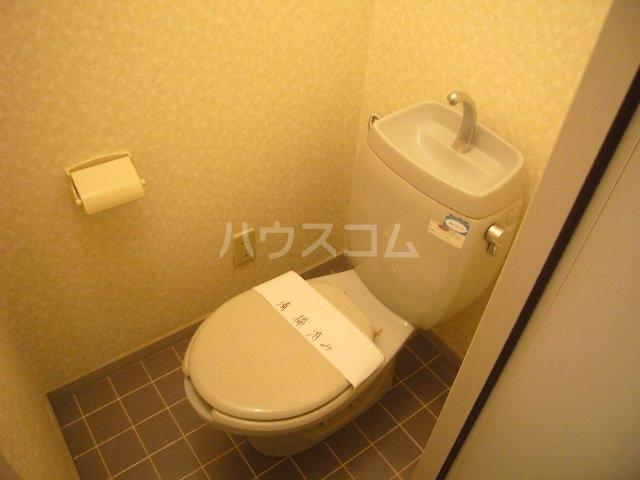 ハイツスズキ 102号室の洗面所