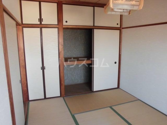 Mハイツ 405号室の居室