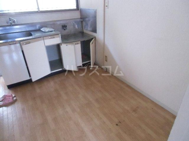 KKハイツ 102号室のキッチン