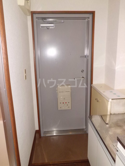 エンゼルハイム 308号室の玄関