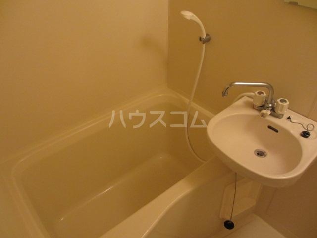 アーバン武蔵小金井 601号室の風呂