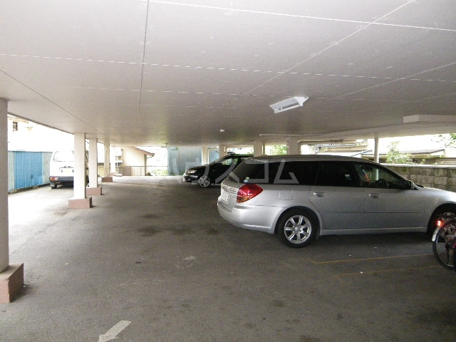 コンチェルトハイツA 202号室の駐車場