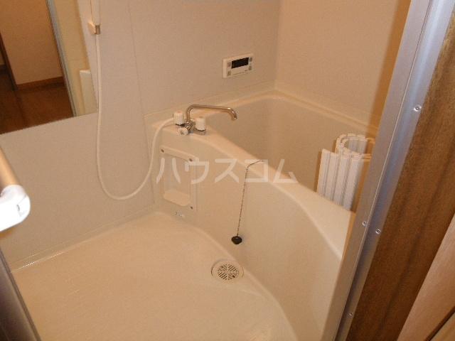 エトワールガレ 202号室の風呂