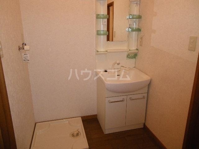 エトワールガレ 202号室の洗面所