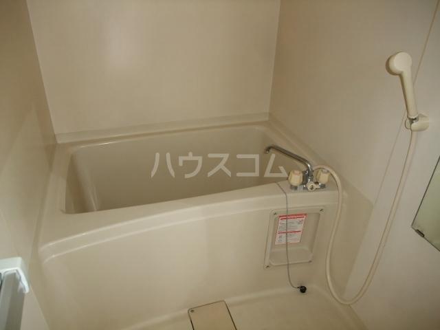ロイヤルコーポ 101号室の風呂