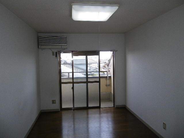 アーバニーハイム柴崎 208号室の居室