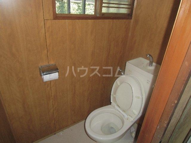 汐入町3-54貸家のトイレ