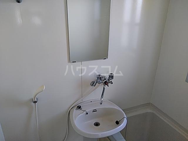 イースタンハイツ 201号室の洗面所