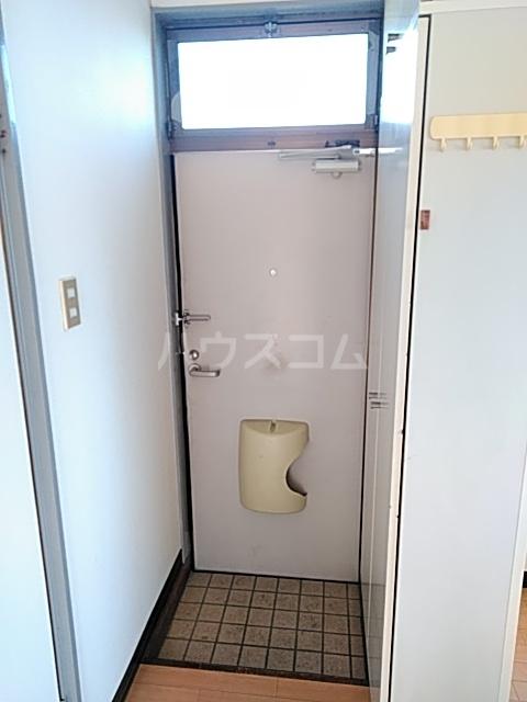 イースタンハイツ 201号室の玄関