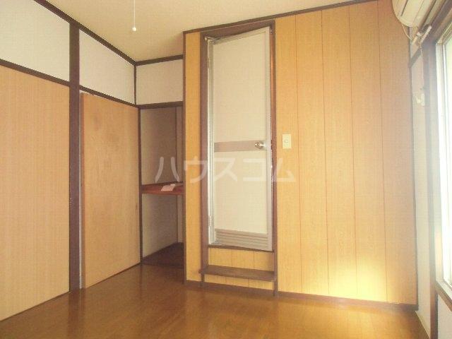 石田荘 201号室のエントランス
