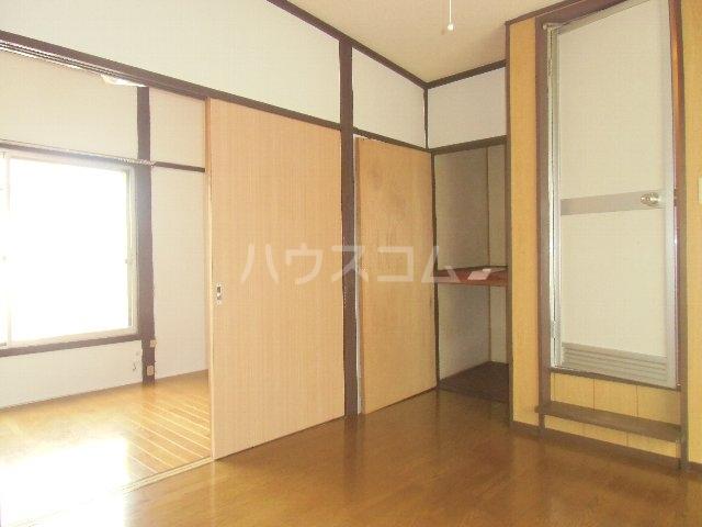 石田荘 201号室のリビング