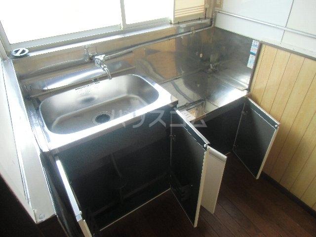 石田荘 201号室のキッチン