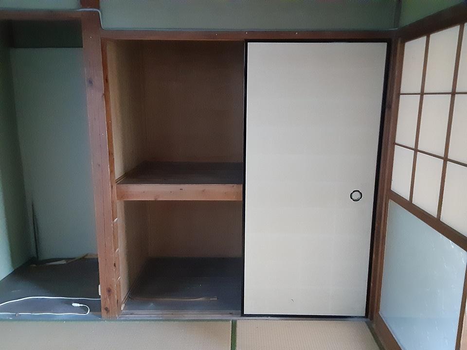 根倉アパート 102号室の庭