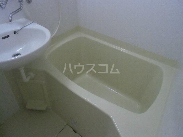 マリンハイツ 104号室の風呂