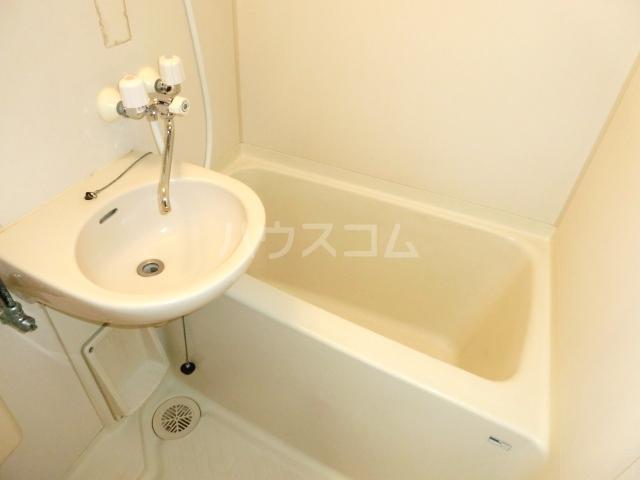 グラットシェル 103号室の風呂