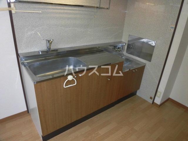 サープラスYAMADA A102号室のキッチン