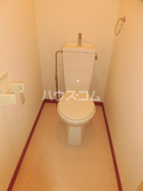 サープラスYAMADA A102号室のトイレ