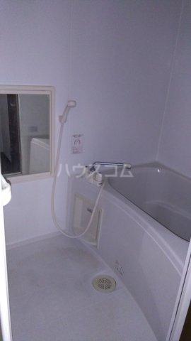 ヒルトップテラス三春台 201号室の風呂