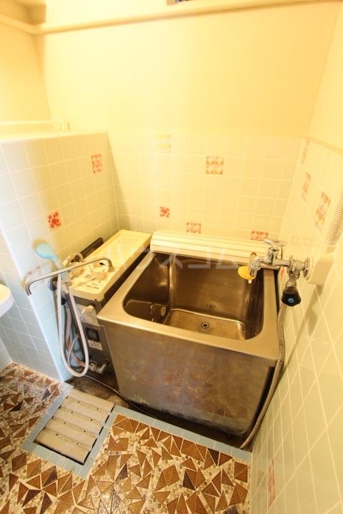 松井ビル 601号室の風呂
