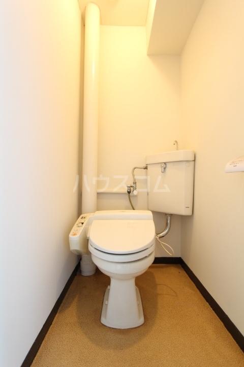 松井ビル 601号室のトイレ