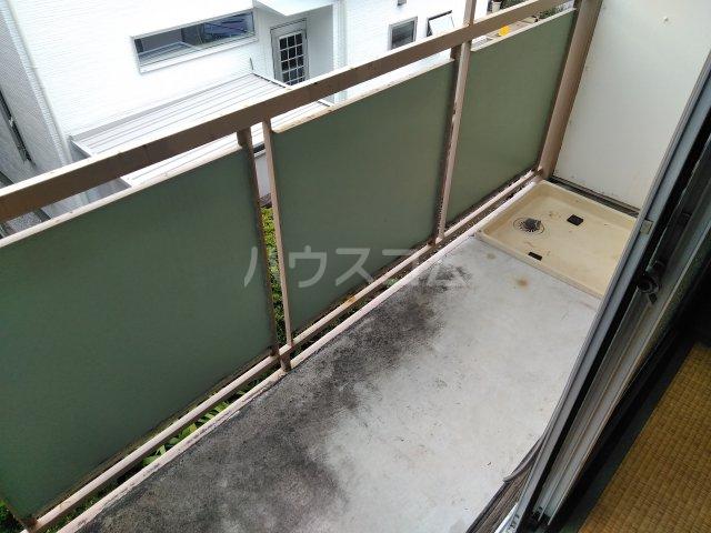 いづみ荘 202号室のバルコニー