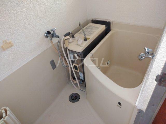 いづみ荘 202号室の風呂