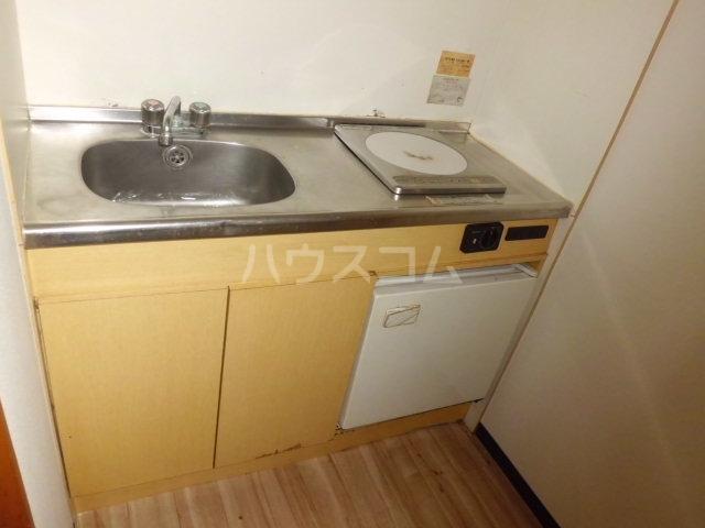 メゾン朋泉Ⅱ 109号室のキッチン