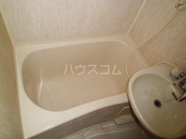 メゾン朋泉Ⅱ 109号室の風呂