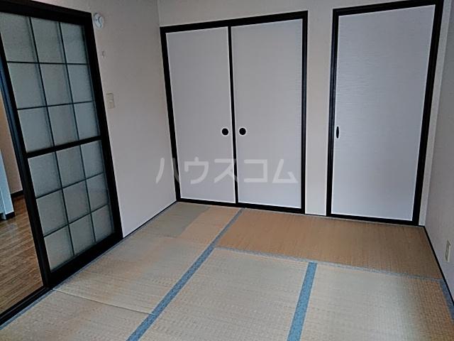 ラフォーレ松原 202号室の居室