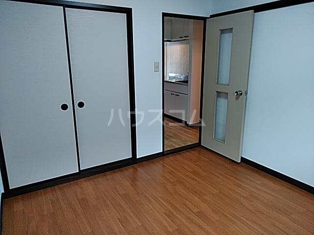 ラフォーレ松原 202号室のリビング