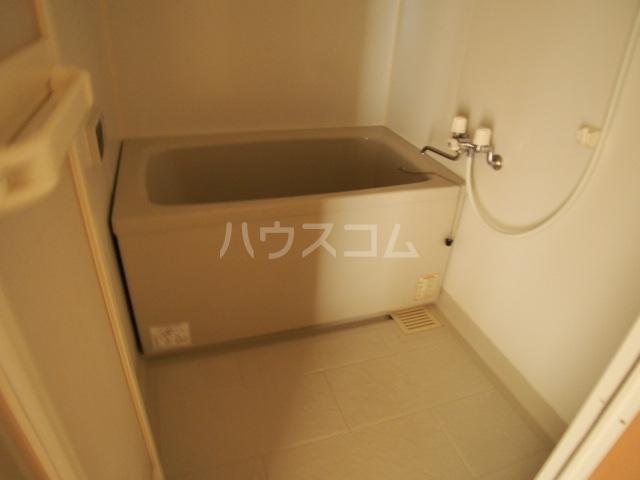 ガーデンハマ 567 106号室の風呂