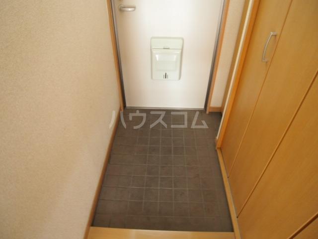 ガーデンハマ 567 106号室の玄関