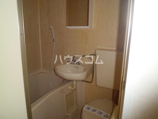 神明マンション 307号室の風呂