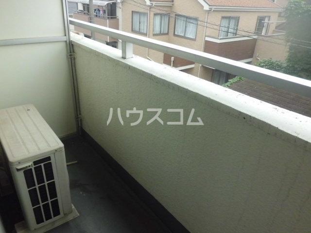 神明マンション 307号室のバルコニー