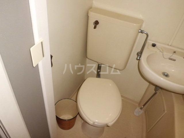 ティファニー2 202号室のトイレ