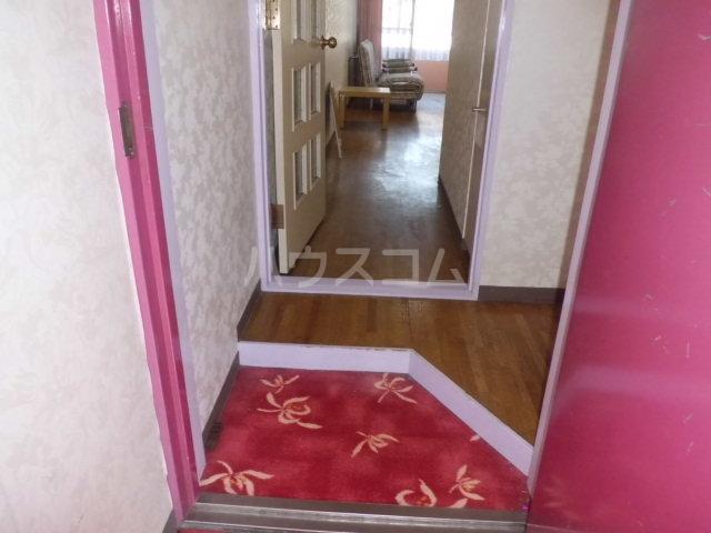 ティファニー2 202号室の玄関