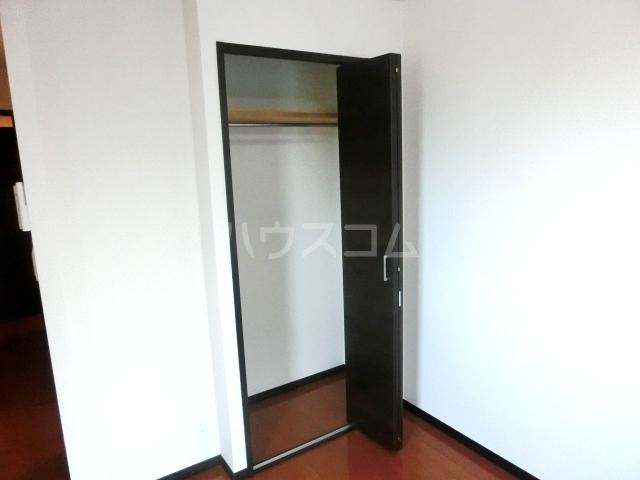 リブリ・ヴァータジェム 105号室の収納