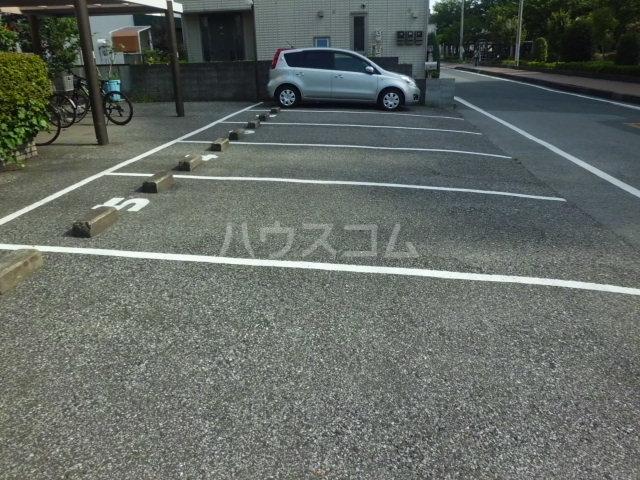 猪野マンション 103号室の駐車場