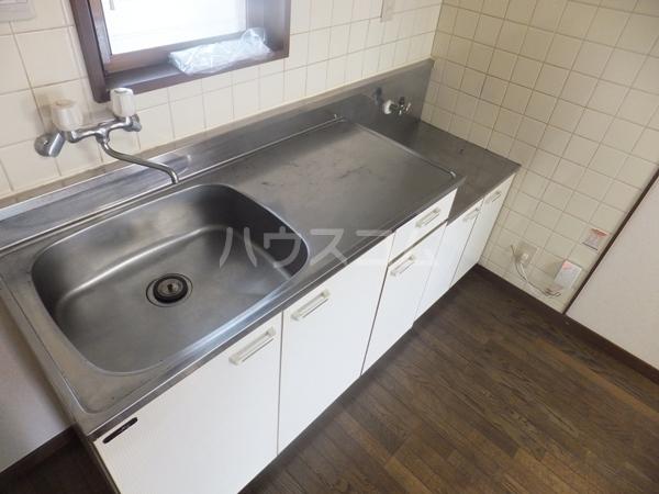 猪野マンション 103号室のキッチン