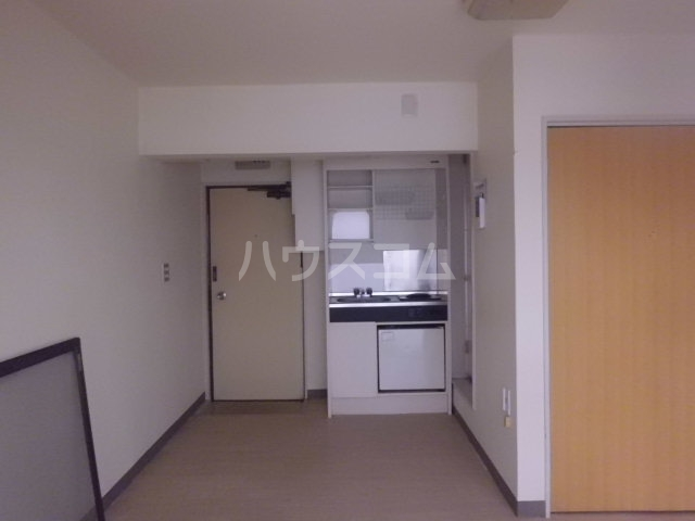 エステート金明 206号室のリビング