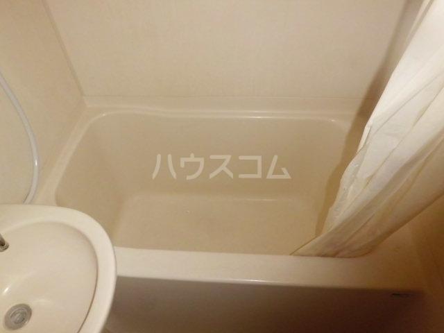 エステート金明 206号室の風呂