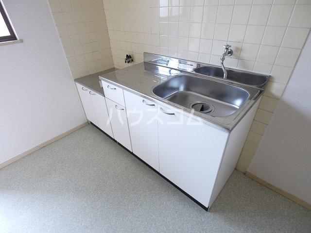 ハルヒハウス 1C号室のキッチン