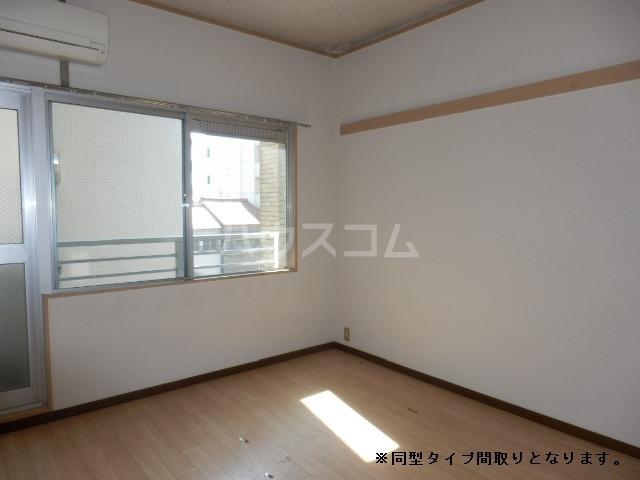 TIマンション 101号室のリビング