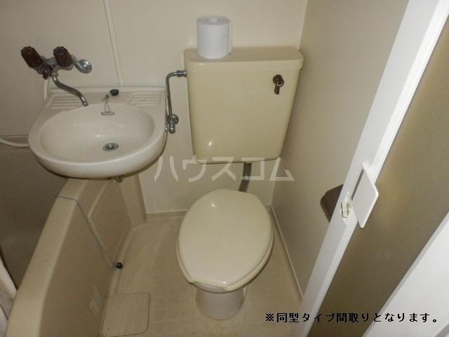 TIマンション 101号室のトイレ