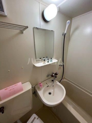 稲荷台ハイツ 103号室の洗面所
